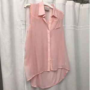 Light pink sleeveless button up tank